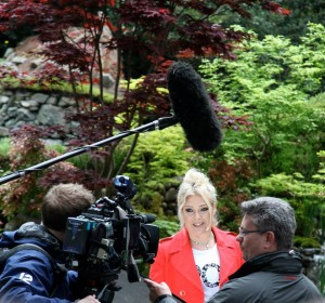rockin-around-the-acer-tree-kim-wilde-at-rhs-chelsea-photo-carl-stringer-300x280